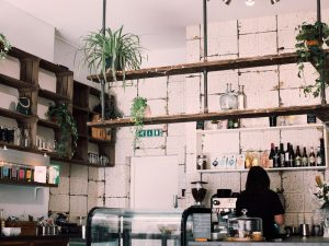 Inreda med café-känsla hemma