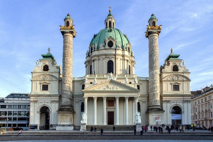 Karlskirche i Wien